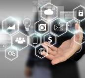 Skaitmeninės komunikacijos proveržio metai: el. parašas netrukus virs kasdienybe